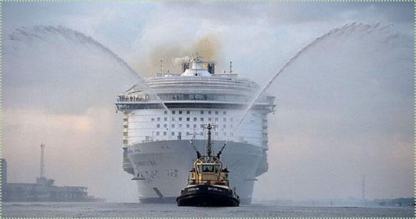 мужчина наденет самый большой корабль в мире на сегодня белье можно